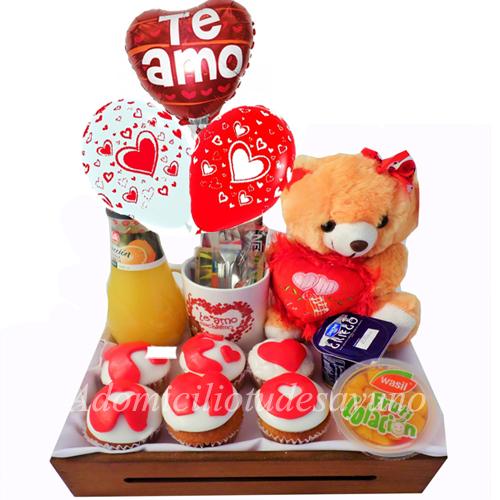 Desayuno cupcake amor y globos desayunos a domicilio en - Regala un desayuno a domicilio ...